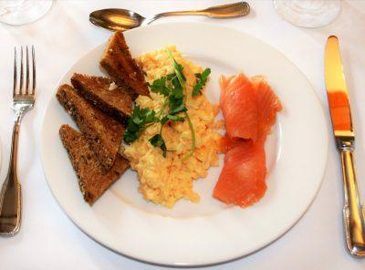 Scrambled egg & smoked salmon